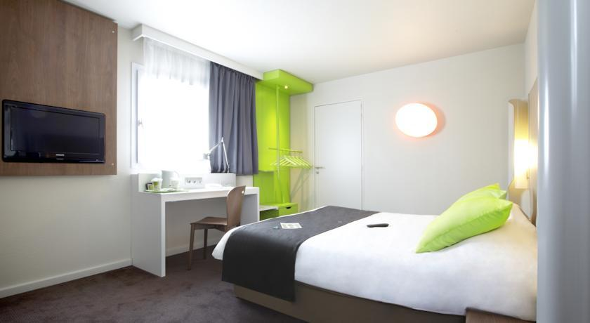 hotel campanile lyon ouest tassin. Black Bedroom Furniture Sets. Home Design Ideas